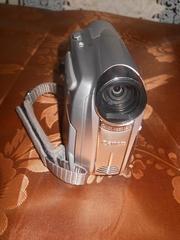 продам видеокамеру Canon MD110Е